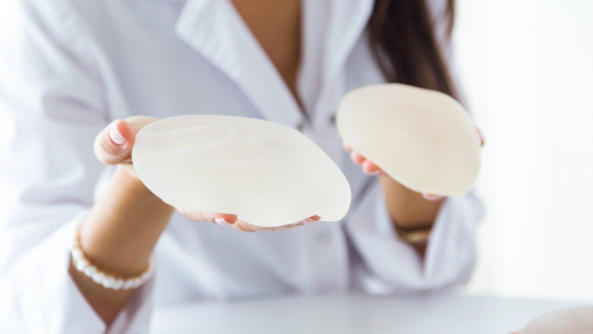 señales de alerta implante mamario