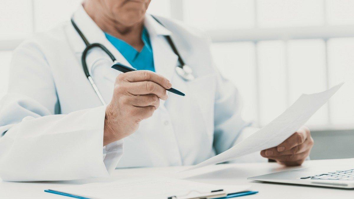 No se autorizó a Colegio Médico Colombiano para conversar sobre permisos de trabajo para que médicos venezolanos en Colombia: Minsalud