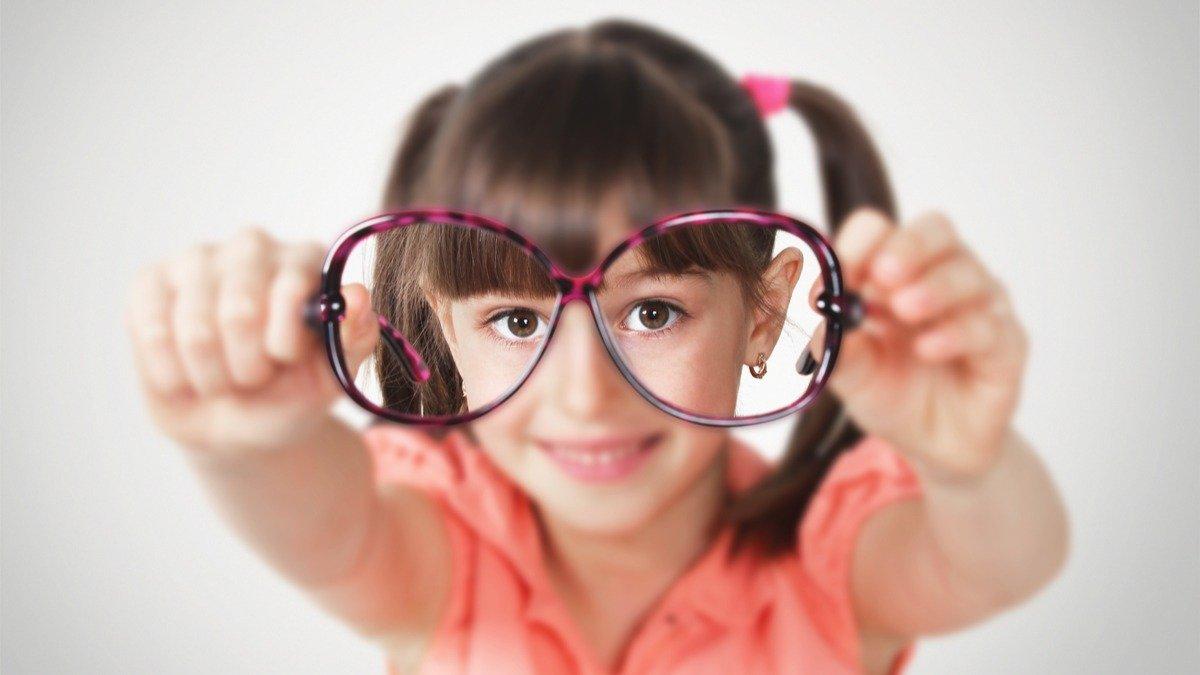 ¿Cómo reducir los riesgos de miopía en su hijo?