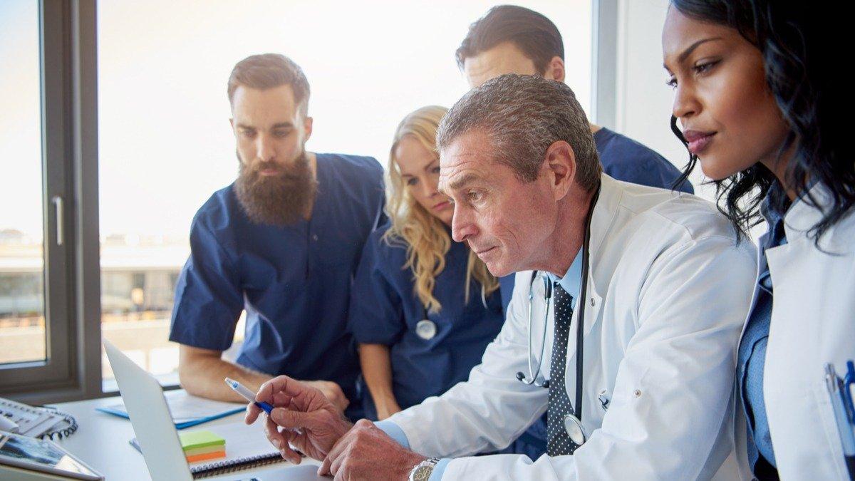 derecho laboral de los profesionales en salud