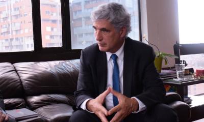 Sale Juan Pablo Uribe del Ministerio de Salud