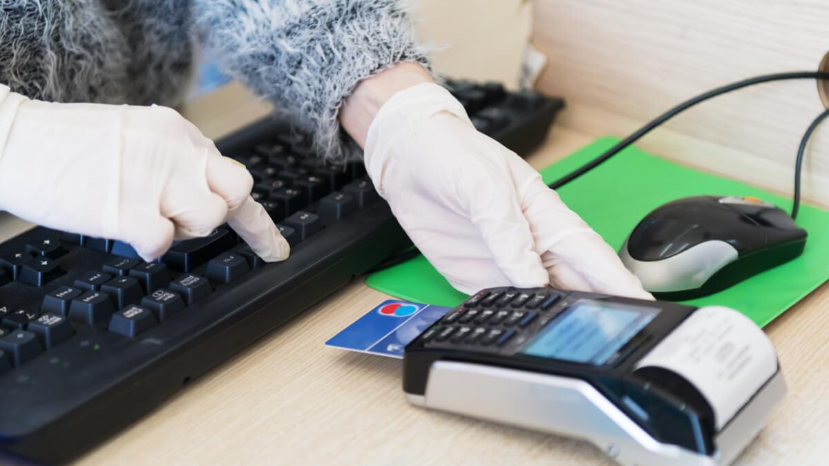 Órganos de control piden centralizar las compras de insumos prioritarios