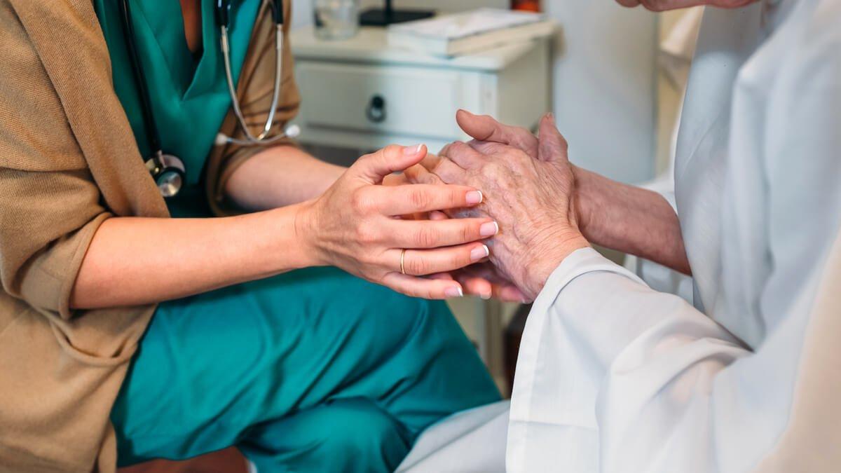 Así será la atención ambulatoria para mayores de 70 en aislamiento