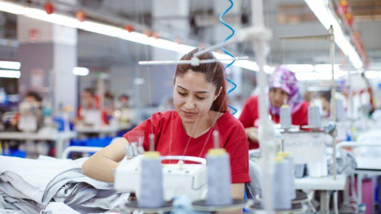 Fijados protocolos para empresas manufactureras