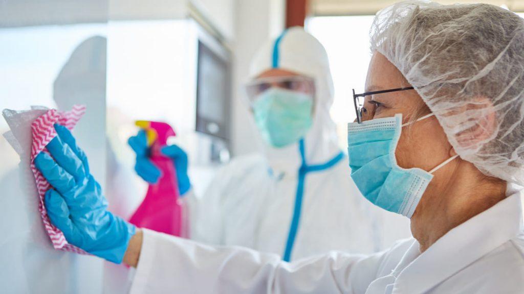 Gobierno emitió guía para la limpieza y desinfección de servicios de salud ante el Covid 19