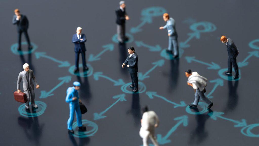Medidas de distanciamiento social enfocadas a profesionales de salud