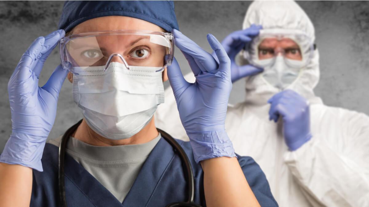Así debe protegerse y reportar el personal médico la exposición al COVID-19