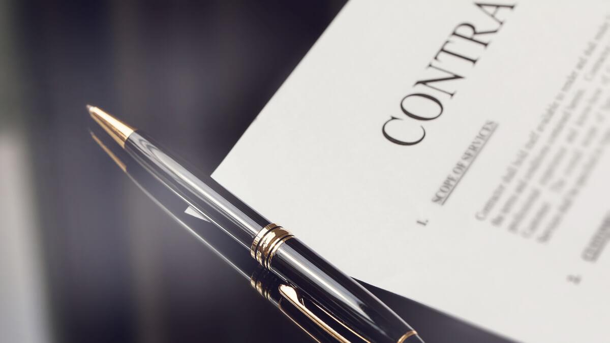 Buscan prohibir los contratos por prestación de servicios para profesionales de salud