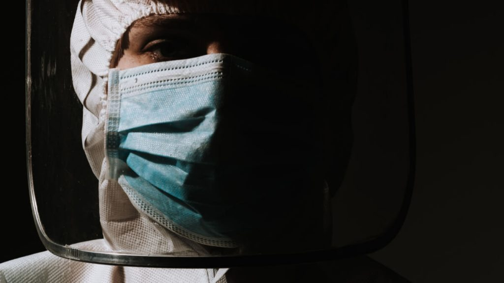 Pandemia, cuarentenas y crisis del sistema de salud