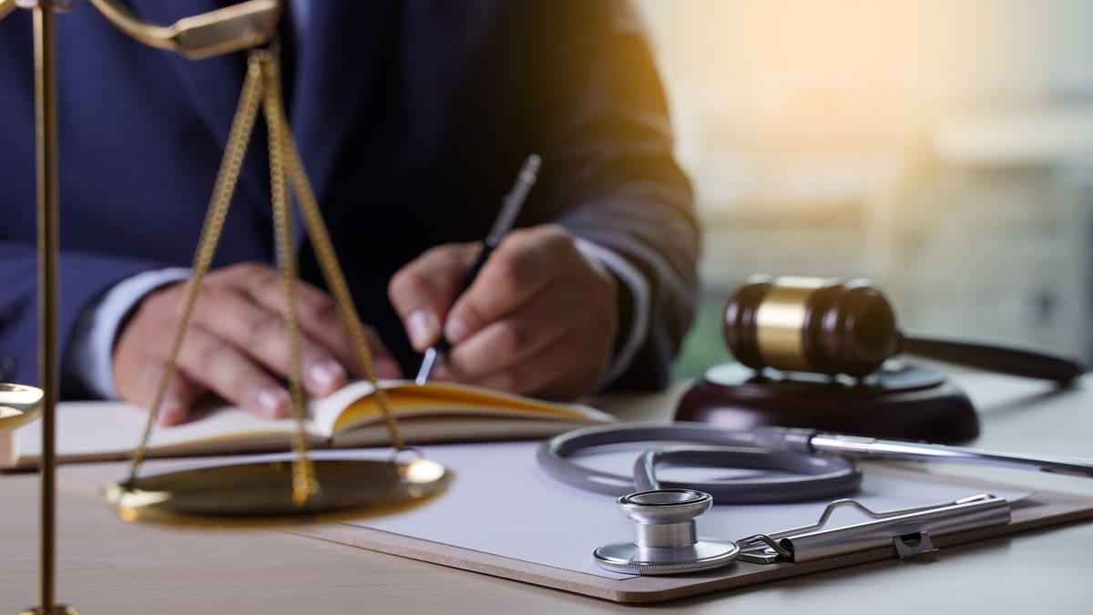 Trabajo digno en salud ¿Por qué se oponen los profesionales de la salud al proyecto de ley 331