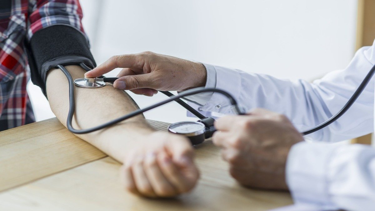 Algoritmo podría predecir riesgos cardiovasculares en personas sanas