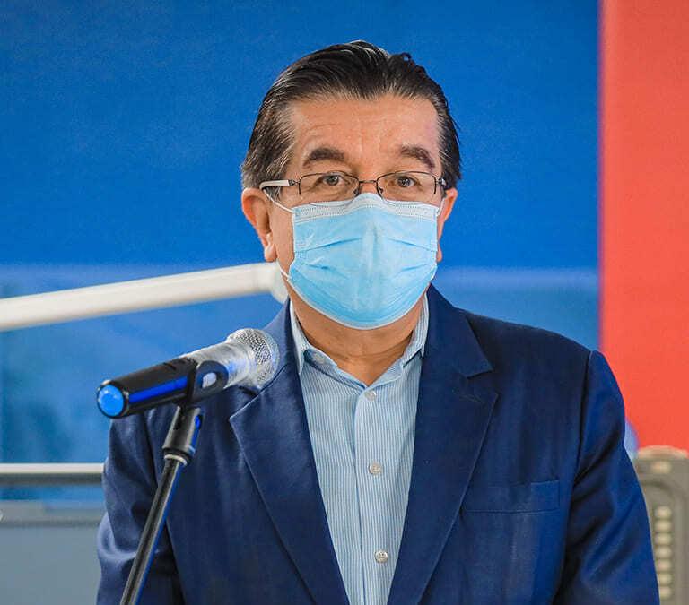El rector del sistema entrevista al ministro de salud, Fernando Ruiz