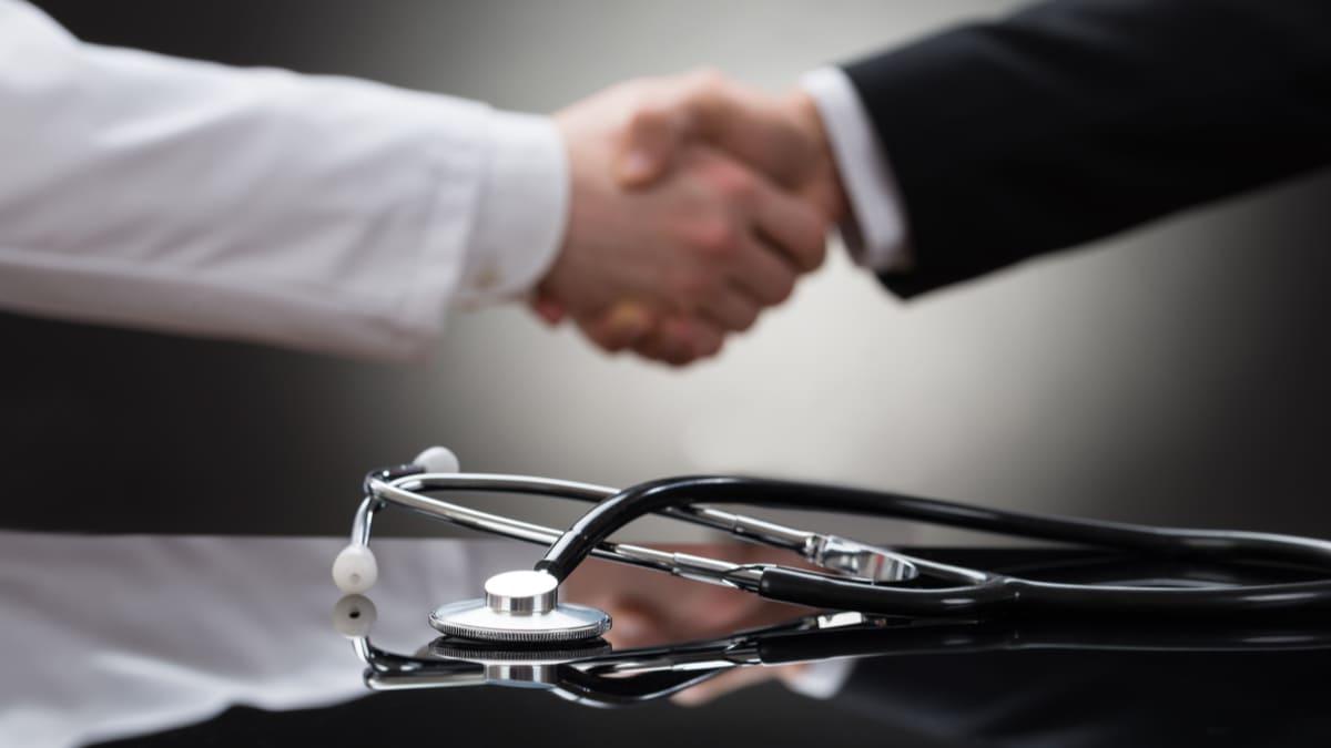 Condiciones laborales dignas y estables para el personal de salud pide la Procuraduría
