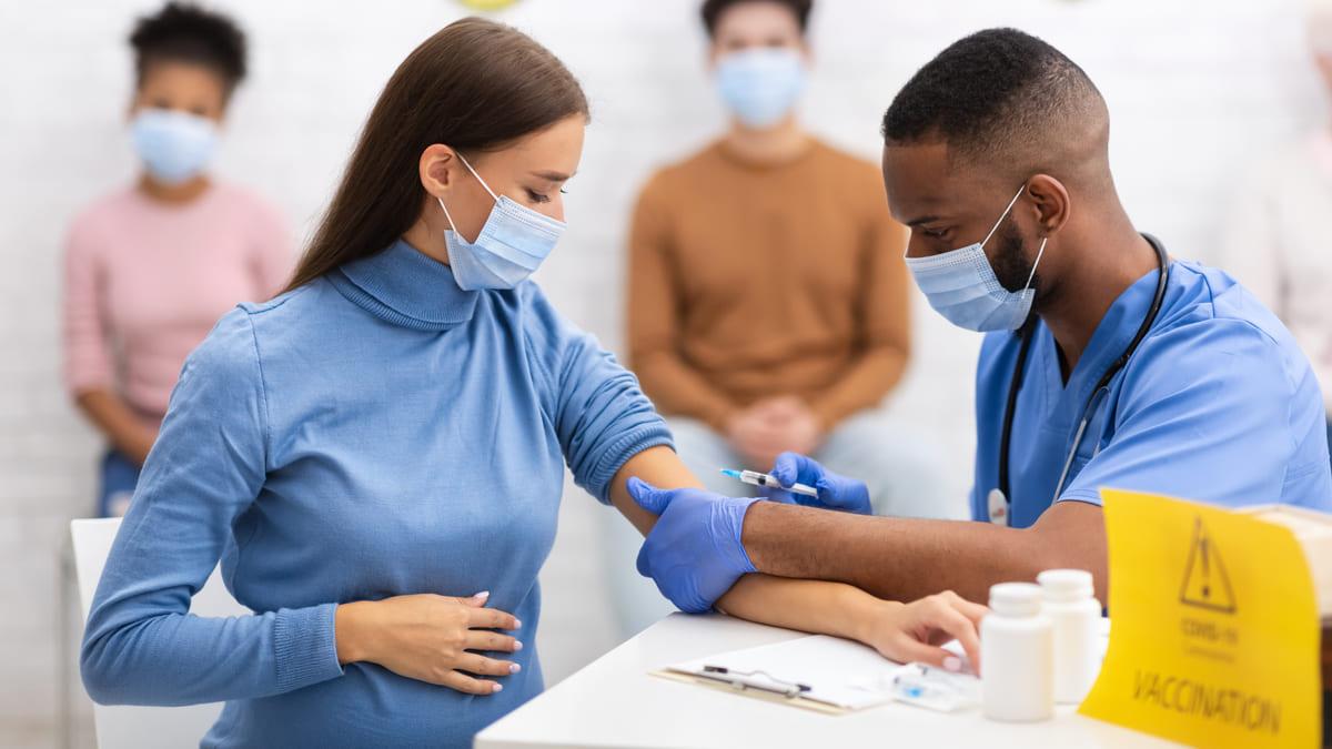 Administradoras de regímenes especiales y de excepción podrán habilitar el servicio de vacunación