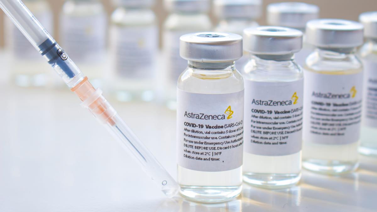 Colombia autoriza uso de emergencia de vacuna de AstraZeneca para Covid-19