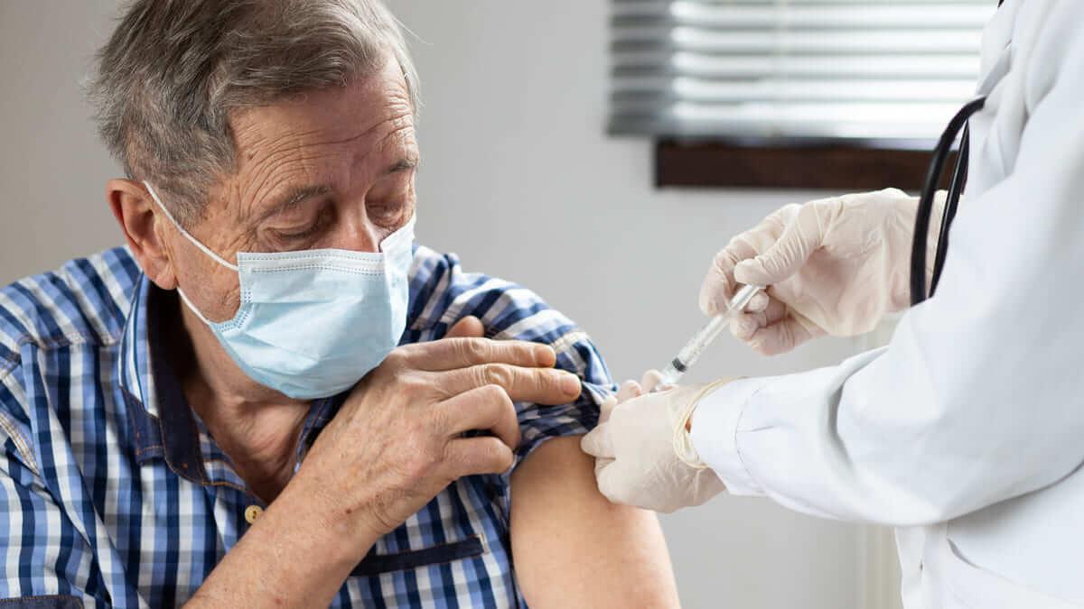 IETS y ACIN emiten recomendaciones sobre la vacunación contra el Covid-19