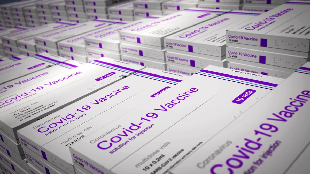 La OMS pide a las farmacéuticas compartir las licencias de fabricación de sus vacunas