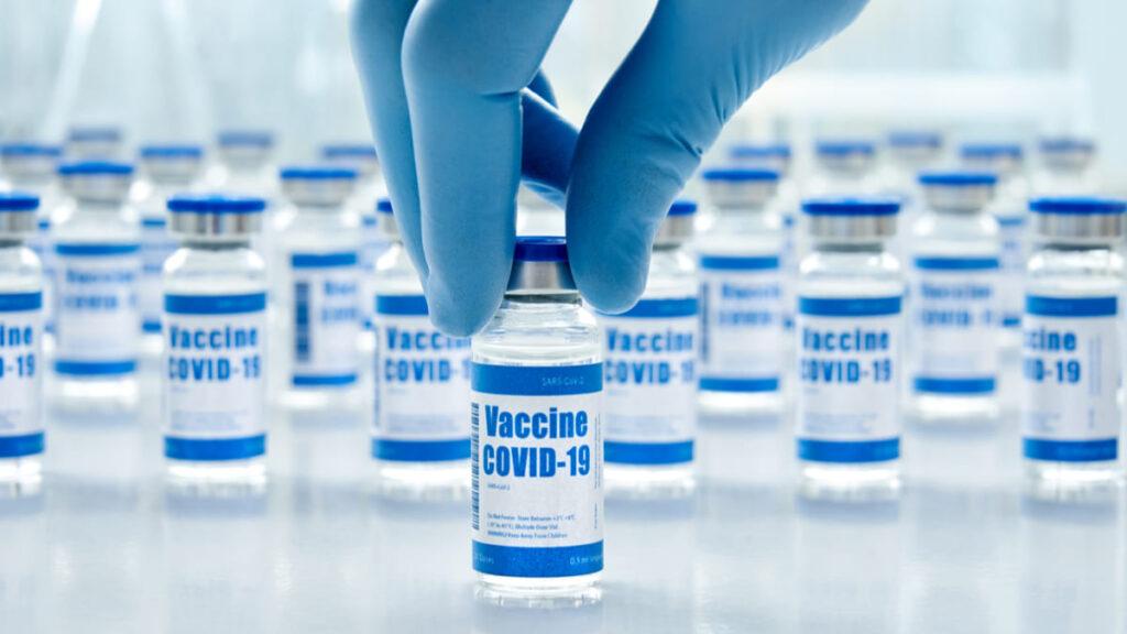 Se anuncian fechas de entrega de vacunas para países que participan en COVAX