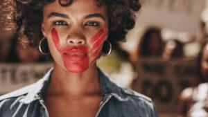 Mujeres mantienen altas tasas de vulneración de derechos en salud sexual