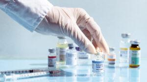 Vacunas del COVAX llegaron a 100 países en 42 días