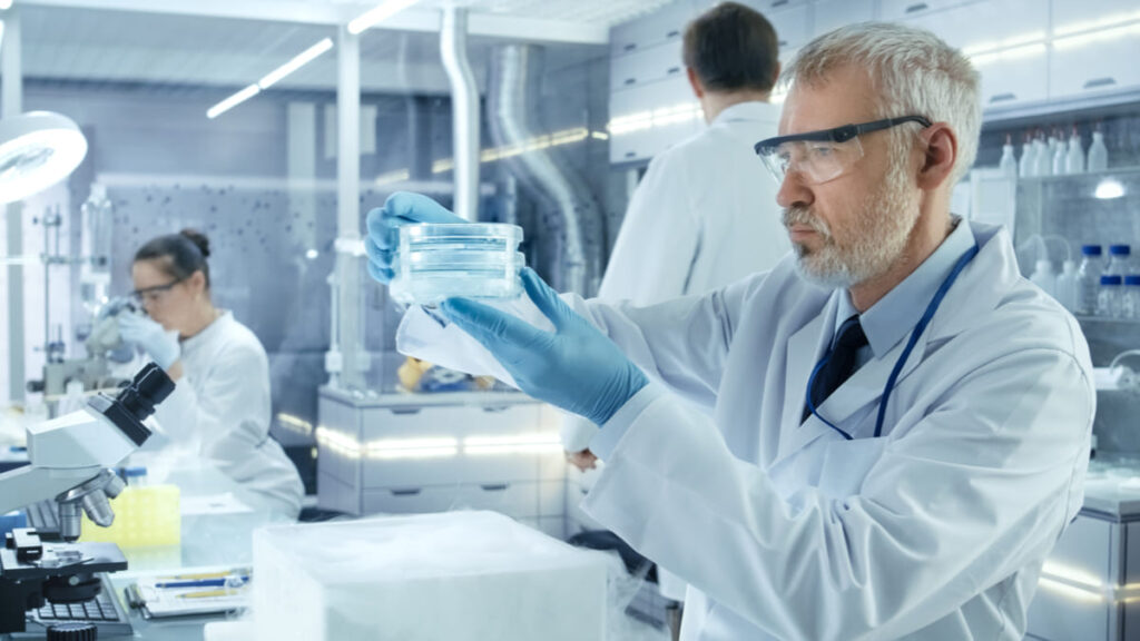 ¿Qué otros medicamentos se están desarrollando contra el Alzheimer