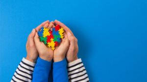 padres de bebes con TEA ralentizar sintomas con intervencion dirigida
