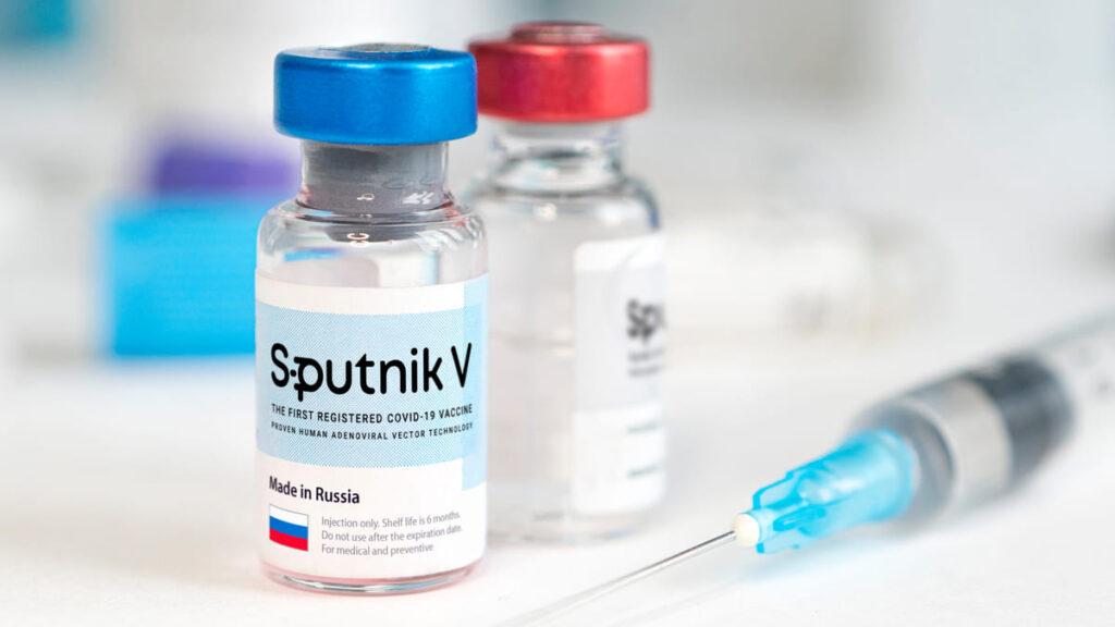 Rusia logra acuerdo para envasar la vacuna Sputnik V en un laboratorio mexicano